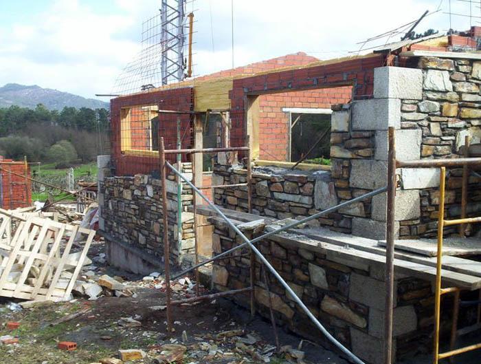 Colocaci n de piedra en viviendas r sticas sistemas - Piedra rustica para fachadas ...