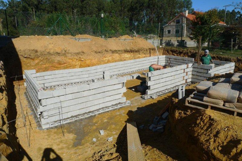 Construcci n de una piscina ad arquitectura for Construccion de piscinas con bloques